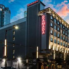 Ramada By Wyndham Vancouver Downtown in Vancouver