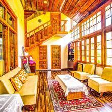 Ramgarh Heritage Villa in Manali