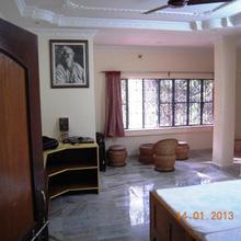 Rater Tara Diner Rabi Guest House in Shantiniketan