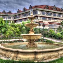 Ravine Hotel in Kudal