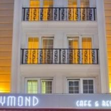 Raymond Hotel in Beyoglu