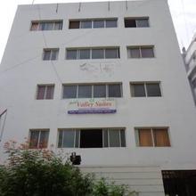 Hotel Mannys Valley Suites in Himayatnagar