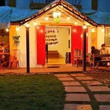 Red Door Hostel in Anjuna