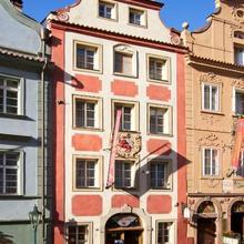 Red Lion Hotel in Prague