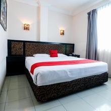 Reddoorz Plus @ Jalan Dr Sutomo Pekanbaru in Pekanbaru