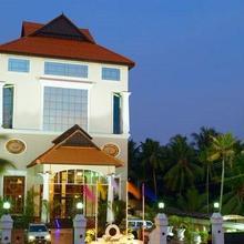 Regant Lake Palace Hotel in Ashtamudi