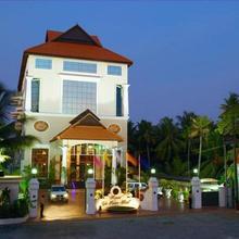 Regant Lake Palace Hotel in Kollam
