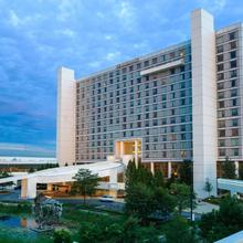 Renaissance Schaumburg Convention Center Hotel in Des Plaines