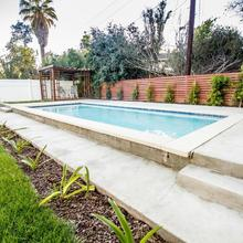 Renovated La Home W/pool-bbq & Private Guest House in Los Angeles
