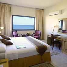 Resort Sur Beach Holiday in Sur