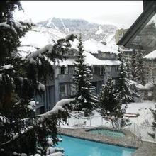 Resortquest Rentals At Glacier Lodge in Whistler