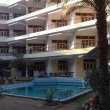 Rezeiky Hotel & Camp Luxor in Luxor
