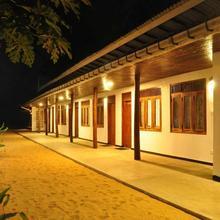 Richard's Son Beach Hotel in Colombo