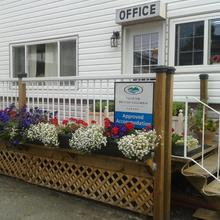 River Heights Motel in Comox