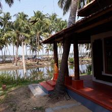 River Lap Homestay in Charuvattur