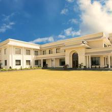 Riyasat Resort in Kurukshetra