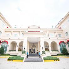 Rizal Park Hotel in Manila