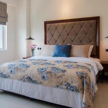 Rococo Residence in Dehiwala