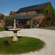 Rolands Croft Guest House in Ledsham