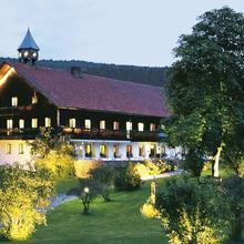 Romantik Hotel Gut Schmelmerhof in Teisnach