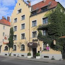 Romantikhotel Fuerstenhof in Altfraunhofen