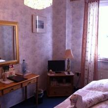 Romantisches Hotel Zur Traube Schwerin in Gneven