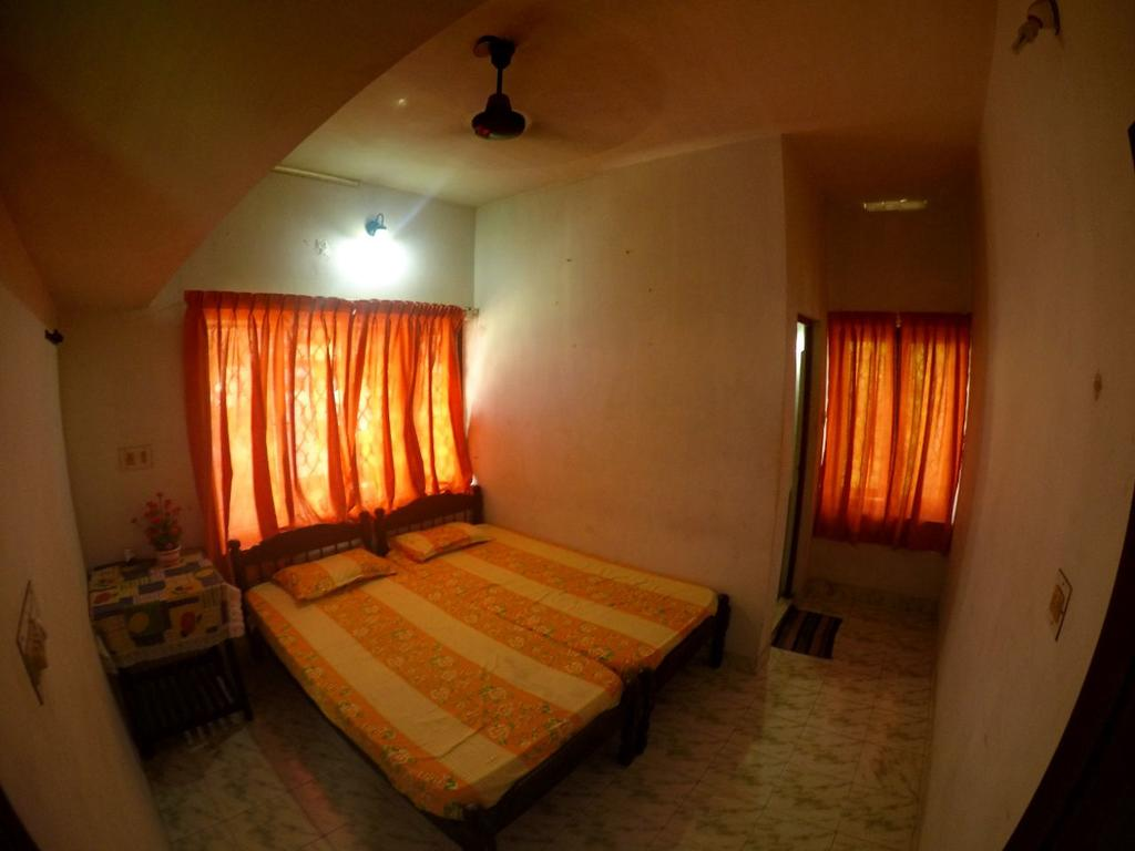 Rona Homestay in Vypin