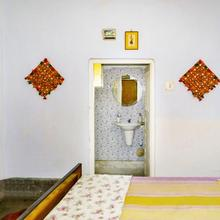 Room in a homestay in Kolkata, by GuestHouser 14198 in Pairagachha