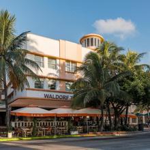 Room Mate Waldorf Towers in Miami Beach