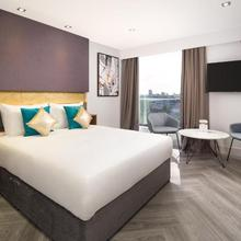 Roomzzz London Stratford in London