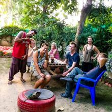 Roots Hostel in Dera Mandi