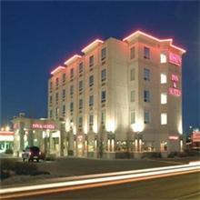 Rosslyn Inn and Suites in Edmonton