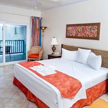 Rostrevor Hotel in Bridgetown