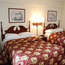 Royal Clipper Inn & Suites in Virginia Beach