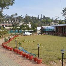 Royal Garden Retreat Mount Abu Rajasthan in Mount Abu
