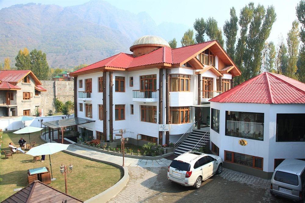 Hotel Royal Khazir in Malarpura