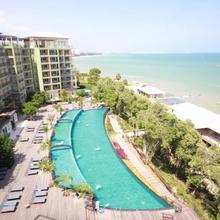 Royal Phala Cliff Beach Resort in Phla