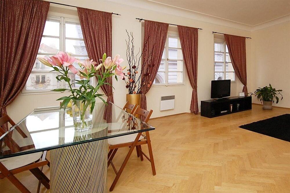 Royal Road Residence in Prague