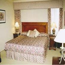 Royal Scot Hotel & Suites in Esquimalt