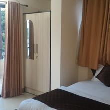 Royal Service Apartment Kalyani Nagar in Phursungi