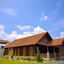 Rumah Kayu in Johor Bahru