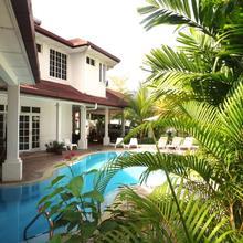 Rumah Putih Bed & Breakfast Near Klia & Klia 2 in Kuala Lumpur