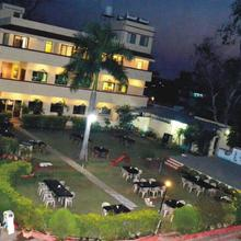 S S Kingdom & Holiday Resort in Durgapur
