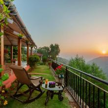 Saffronstays Verandah By The Valley in Kudal