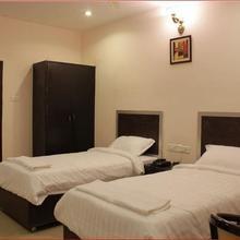 Hotel Sai Ratna Residency in Leligumma