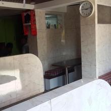 Sainik Restaurant Cum Lodge in Sumbar