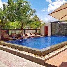 Saline Residence in Siemreab