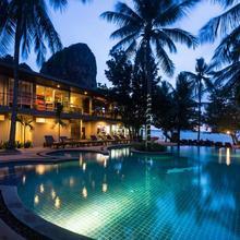 Sand Sea Resort in Ban Ao Nang