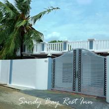 Sandy Bay Rest Inn in Trincomalee