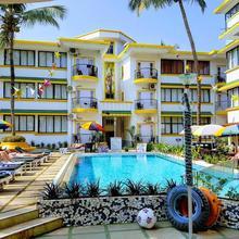 Santa Monica Resorte in Saligao